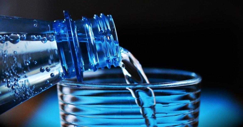 Water, de sleutel voor een mooie huid en een gezond lichaam